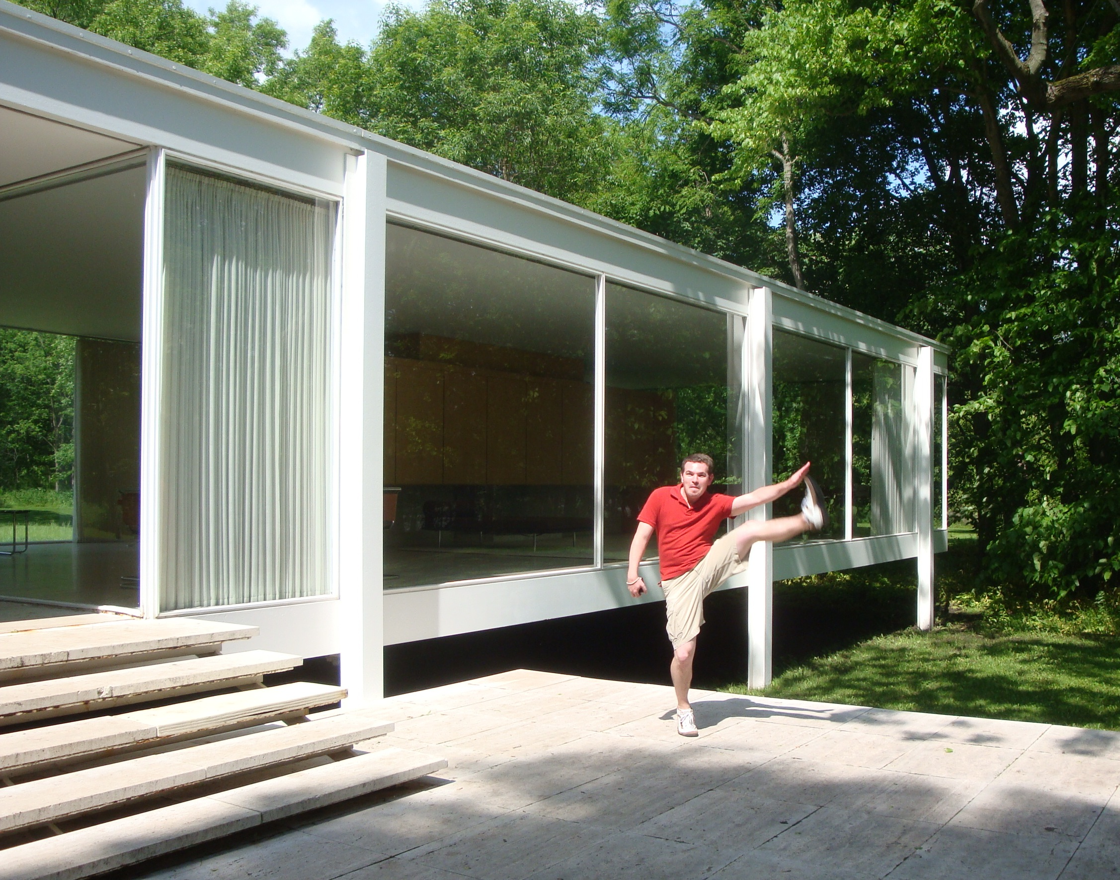 Minimalist house living room - Kick Of The Week Farnsworth House Plano Il