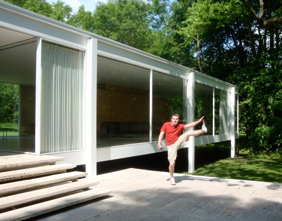 Mies van der Rohe's Farnsworth House, Plano, IL - May 2010