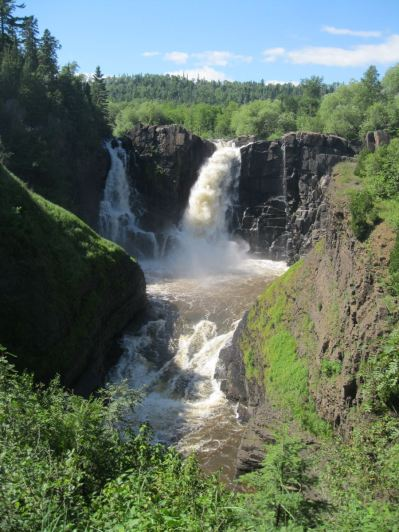 This is High Falls on the Pigeon River (Part of what the Grand Portage trail was avoiding). The left side is in Minnesota and the right side is Ontario, Canada.