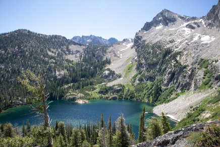 Alpine Lake viewed from the trail to Sawtooth Lake.